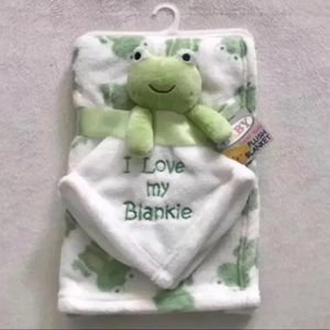 Other - Super Soft Plush Frog Blanket in White & Green